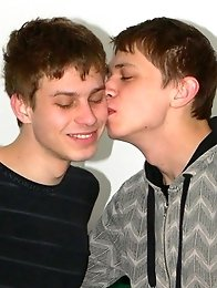Hot young Twinks sucking and kissing